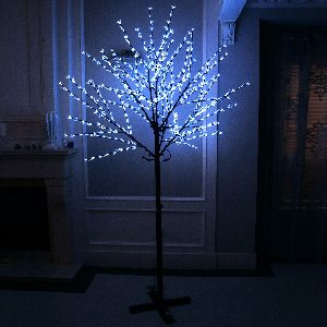 GBK Beautiful 250cm 504L steady burning LED tree light with white plum blossoms and leaves for Christmas and other holiday decorations